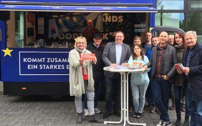 """""""Europa ist die Antwort"""": Food-Truck warb in Gummersbach für die Europawahl"""