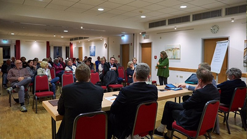 Die SPD lud zur Podiumsdiskussion zum Thema Pflege im Otto-Jeschkeit-Altenzentrum