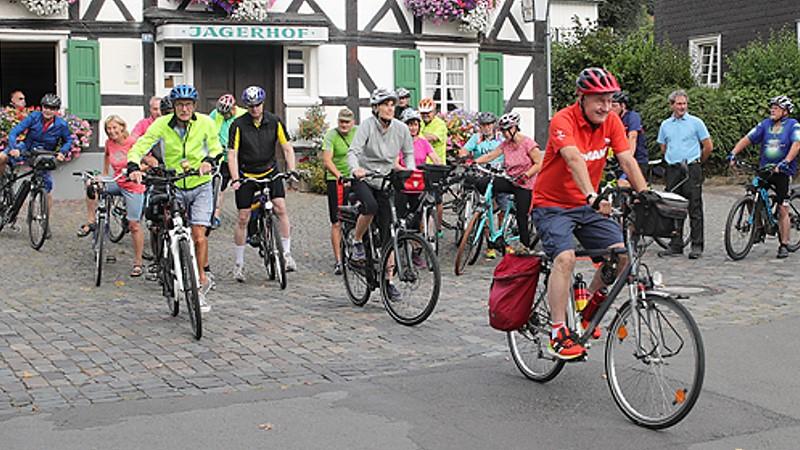 Traditionelle Radtour der SPD Oberberg startete in Bergneustadt (Bild: © Michael Kleinjung)