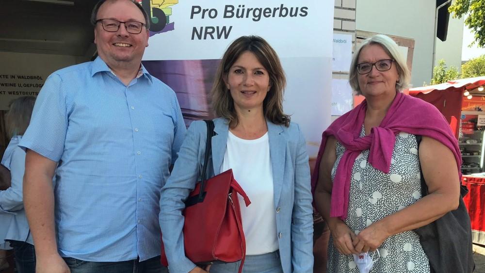 Sie wurde begleitet von Anne Pampus, Mitglied des Kreisvorstandes der SPD Oberberg, und dem SPD-Kreisvorsitzenden Thorsten Konzelmann.