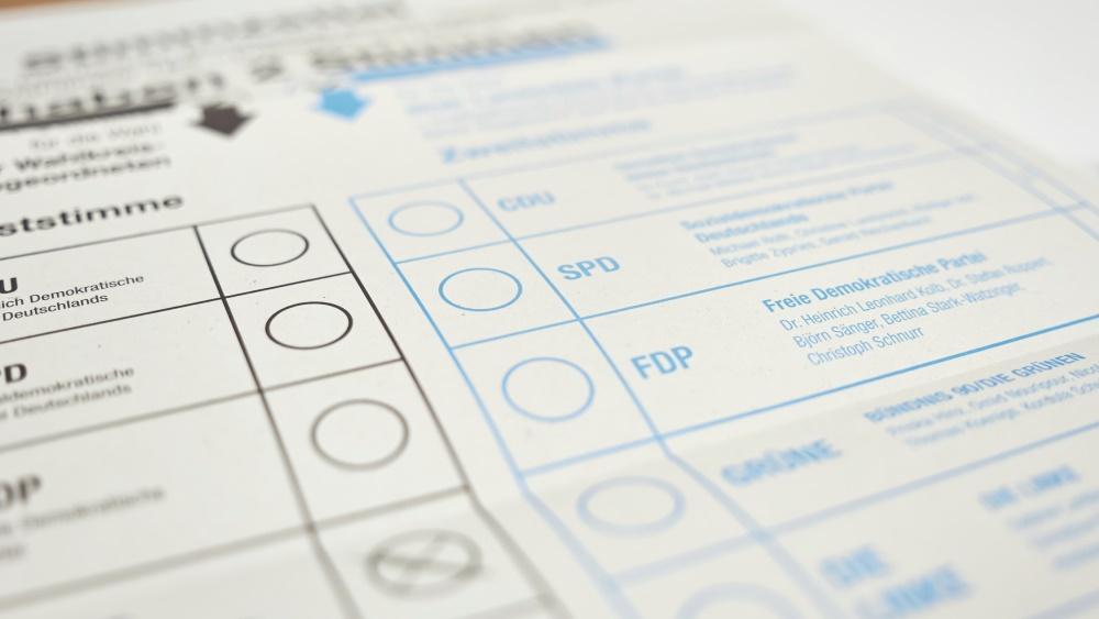 Bittere Klatsche für schwarz-gelbe Landesregierung: Die Stichwahl bleibt